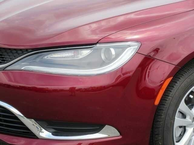 New 2017 CHRYSLER 200 Limited Platinum FWD