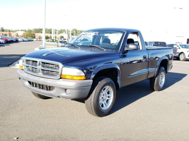 Pre-Owned 2004 Dodge Dakota 2dr Reg Cab 112 WB 4WD Base