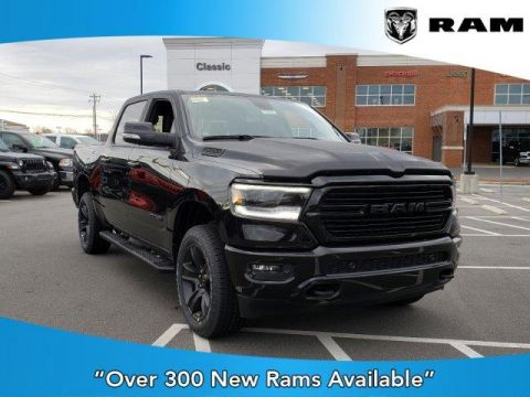 New 2020 RAM 1500 Big Horn 4x4 Crew Cab 5'7 Box With Navigation