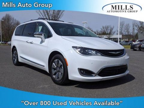 2017 Chrysler Pacifica Hybrid Platinum FWD