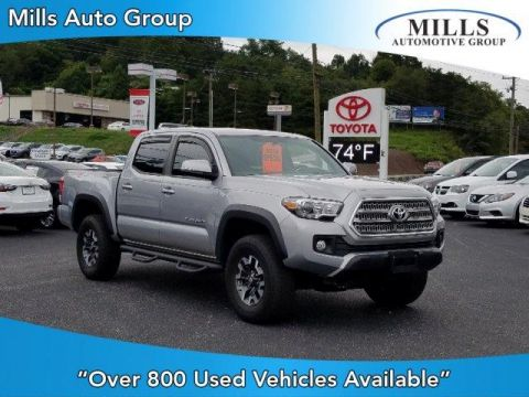 Pre-Owned 2017 Toyota Tacoma TRD Off Road Double Cab 5' Bed V6 4