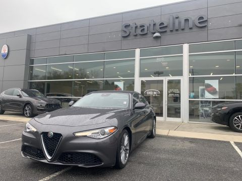 Pre-Owned 2017 Alfa Romeo Giulia Ti RWD With Navigation